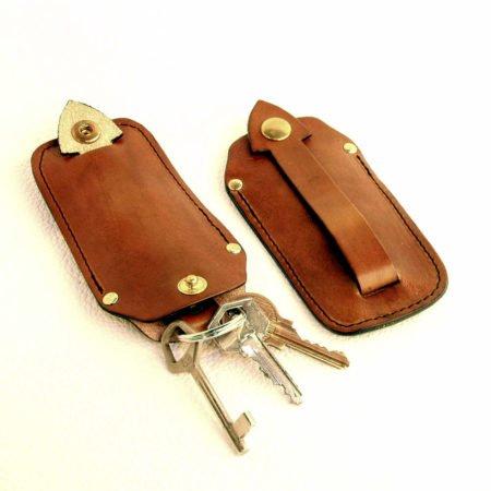étui à clés ou porte-clés en cuir