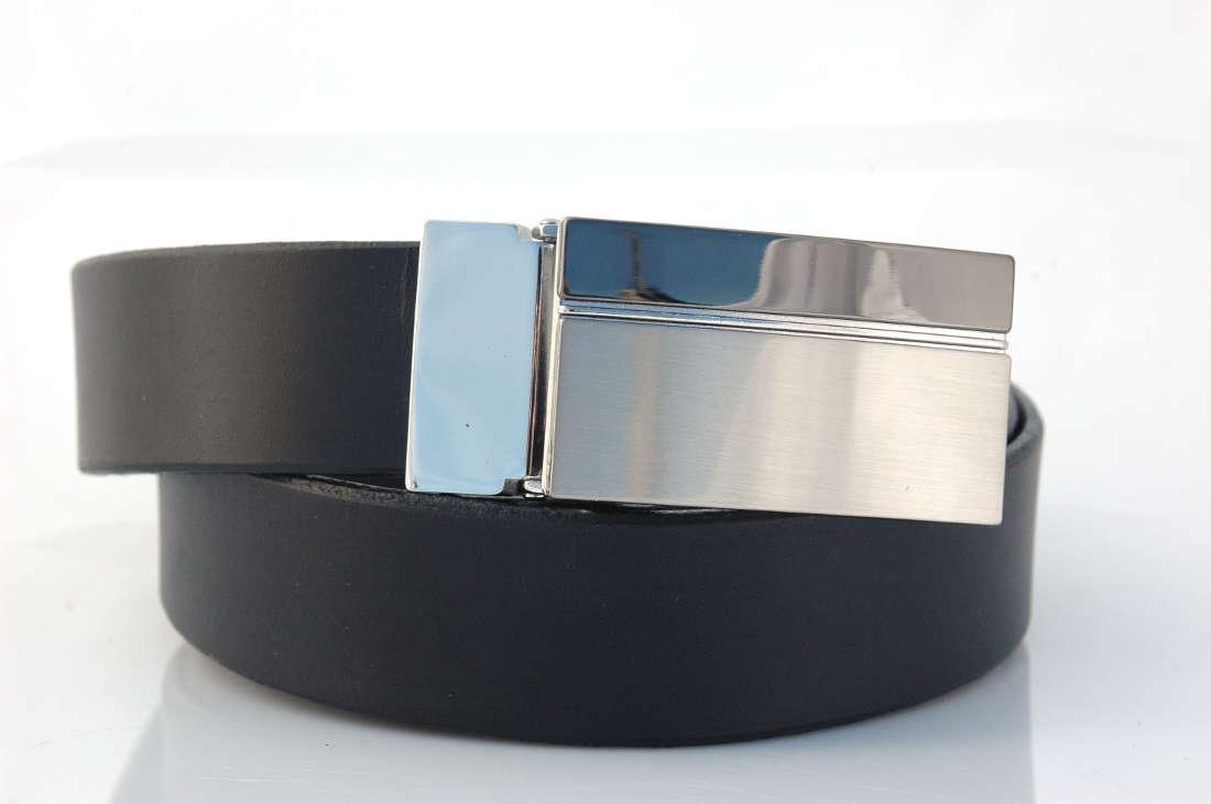 fc48b33278c Ceinture en cuir noir avec boucle habillée