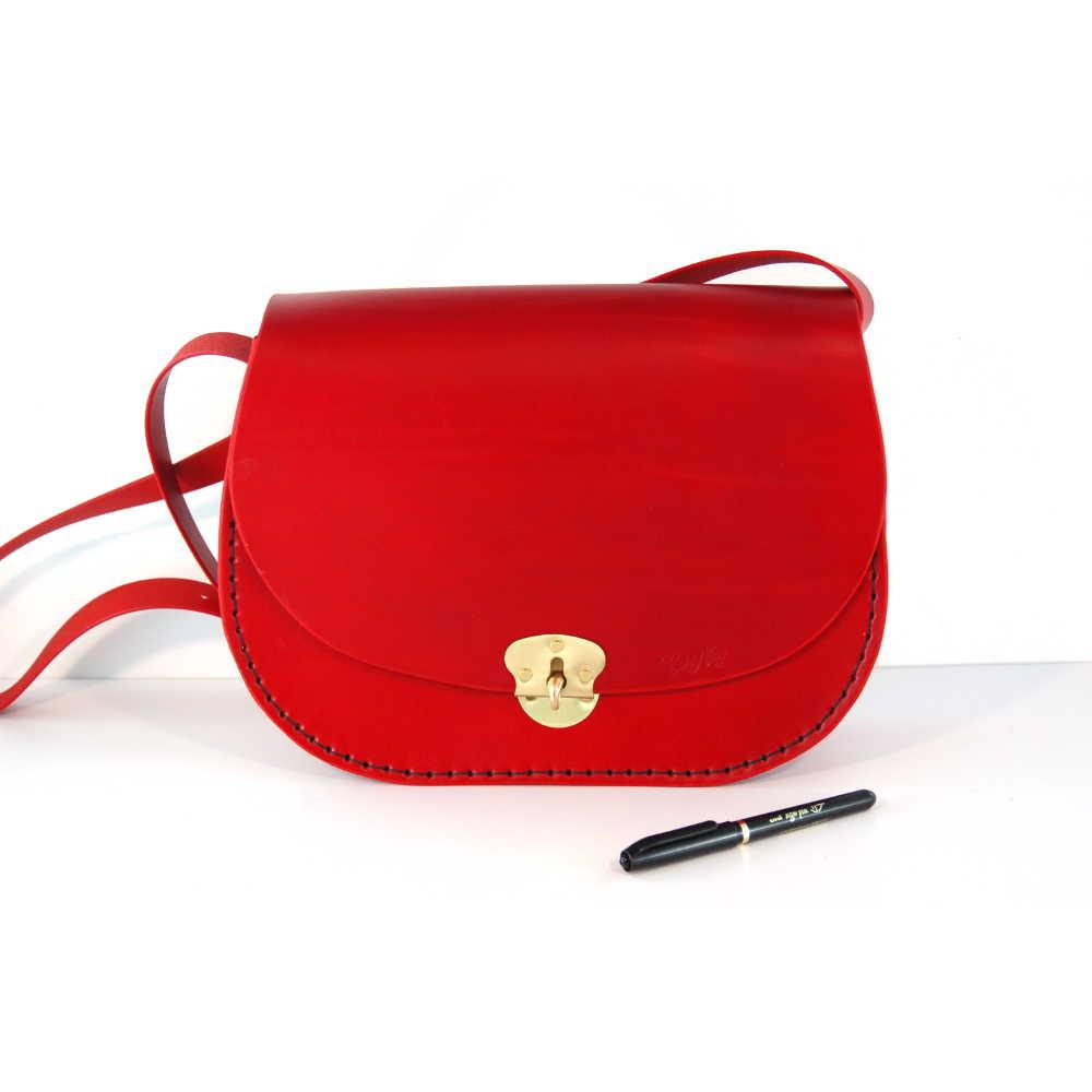 16589ce9d7606 Sac femme à bandoulière en cuir rouge