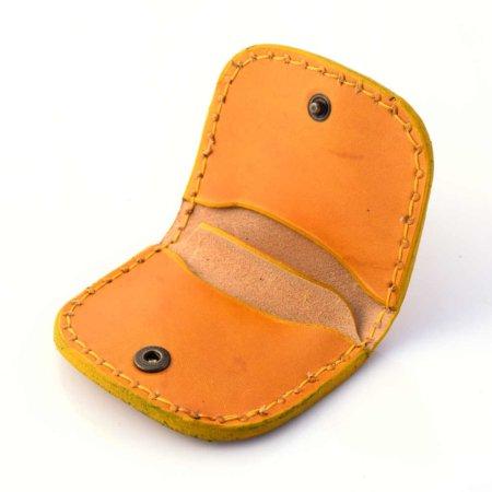 "Porte-monnaie plat jaune en cuir by ""cuirs Ney"""