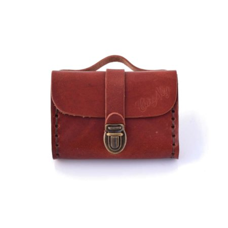 "Porte monnaie en cuir marron fauve de type ""Cartable"""