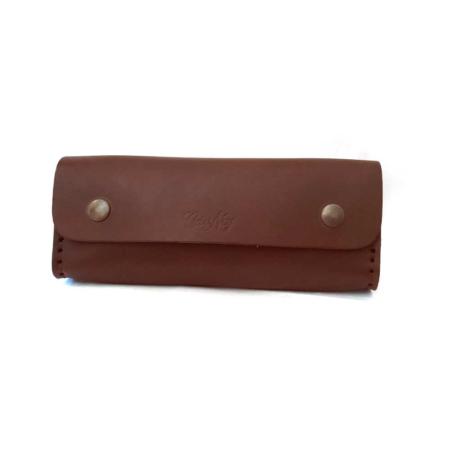 Trousse marron foncé en cuir