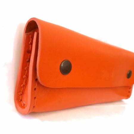 """Trousse en cuir orange - by """"Les Cuirs Ney"""""""